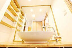 ログマンション仕様は洗面ボールを使うことによってすっきりしたデザインで重厚感・高級感を演出しております。弊社施工例です。