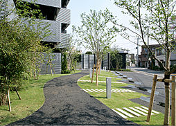 東京都目黒区鷹番1丁目の賃貸マンションの外観