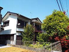 建築条件はありませんので、お好きなハウスメーカーでご家族に合ったマイホームをどうぞ。