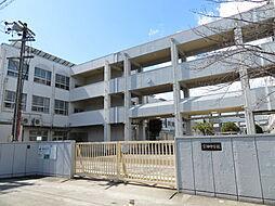 名古屋市立宝神中学校教育目標建学の精神〜ともに手を携え、明るくひたむきに生き、未来を開く〜 徒歩 約32分(約2500m)