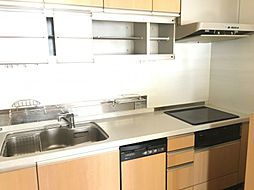 システムキッチンは、IHでお掃除もラクラク