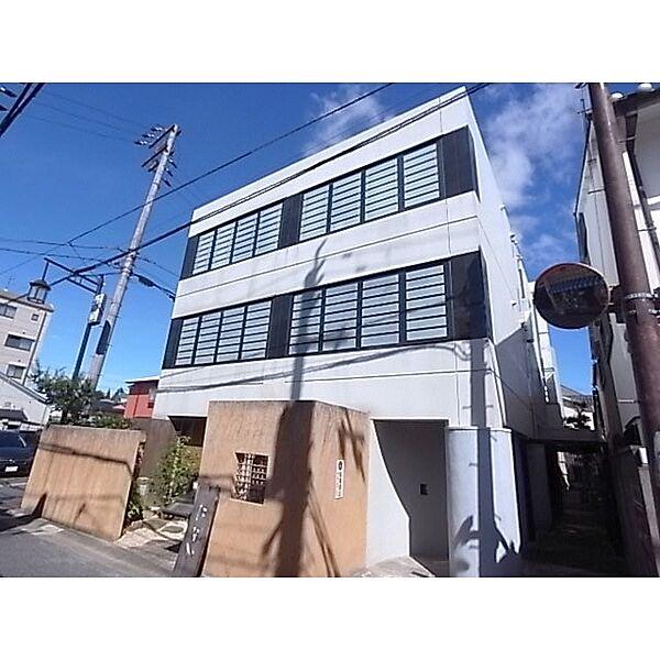 奈良県奈良市鵲町の賃貸マンションの外観