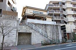 京王線と多摩モノレールの2駅2路線が利用可能