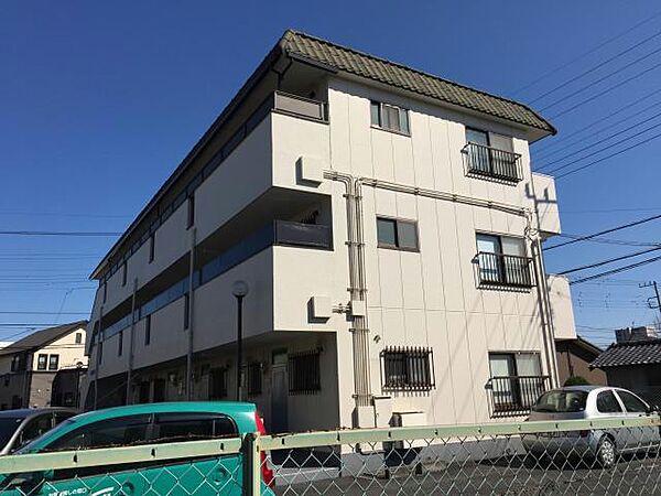 埼玉県坂戸市関間2丁目の賃貸マンションの外観