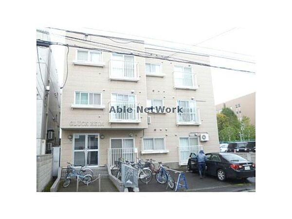 グリュックハイム 3階の賃貸【北海道 / 札幌市北区】