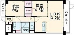 Luo Maroon 1階2LDKの間取り