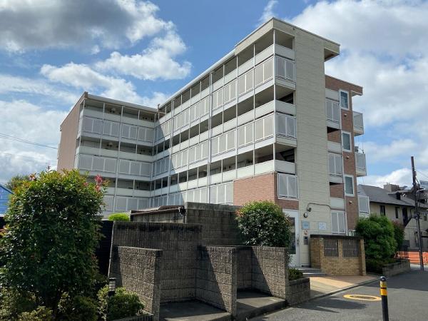 レオパレスFIORI高松[2階]の外観